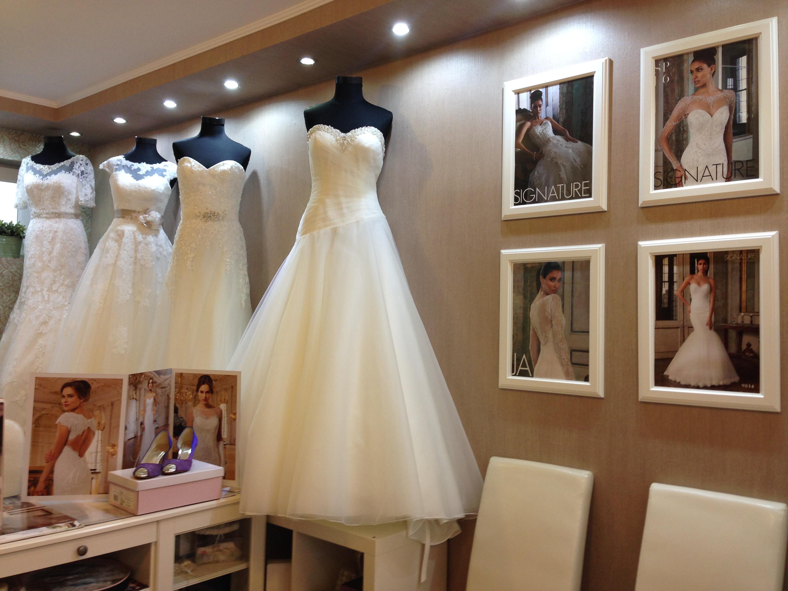 A menyasszonyi ruha választás menete  1c209a57bc
